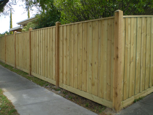 Lapped Timber Paling Fence Solid Finish Services In